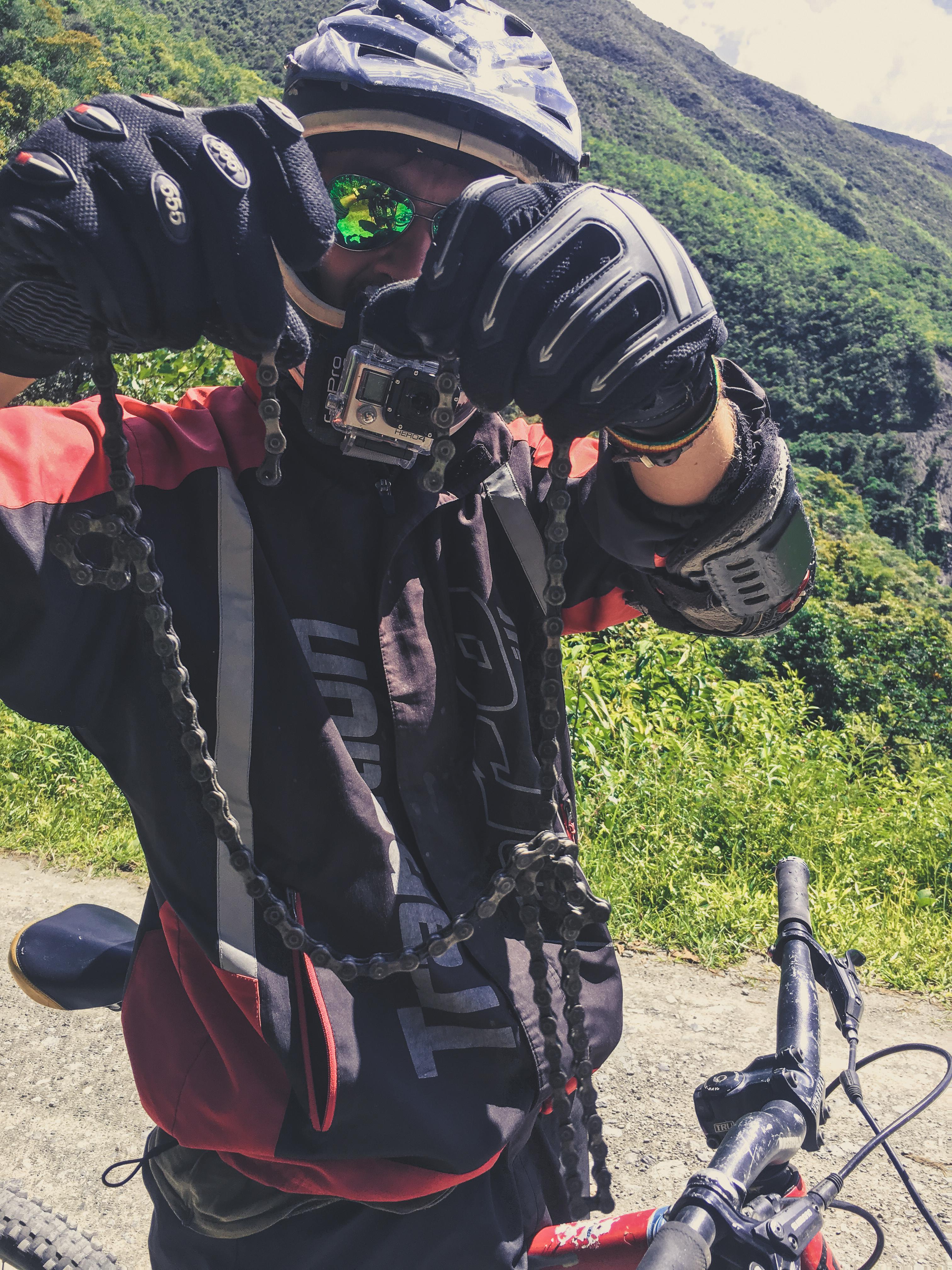 biking worlds most dangerous road bolivia broken bike chain