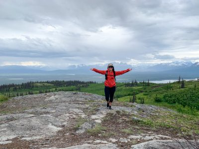 Hike Curry Ridge Trail in Denali State Park