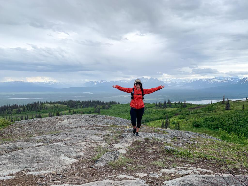 Hike Curry Ridge in Denali State Park Rocky Knob